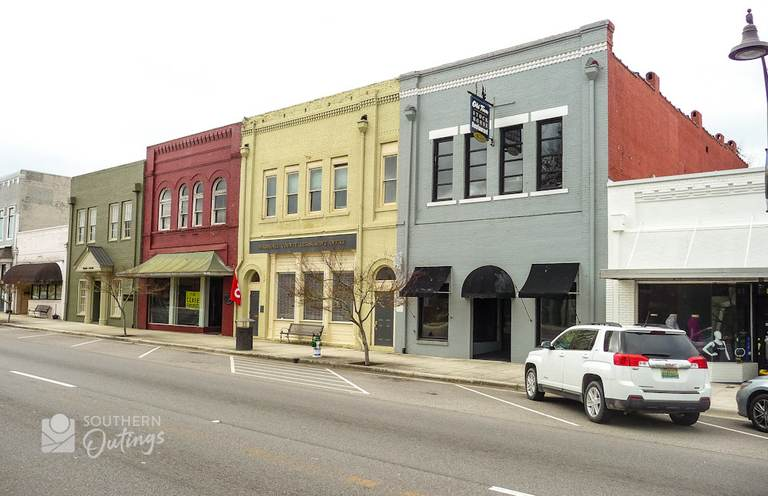 400 block of Gunter Ave